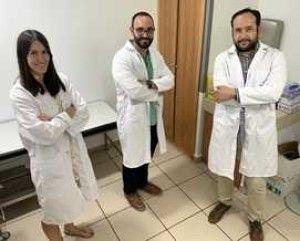 Dra. Elisa de la Fuente Sanz, Dr. Manuel Luján Bonete y Dr. Alberto Pérez de Vargas. (Foto Grupo Quirónsalud)