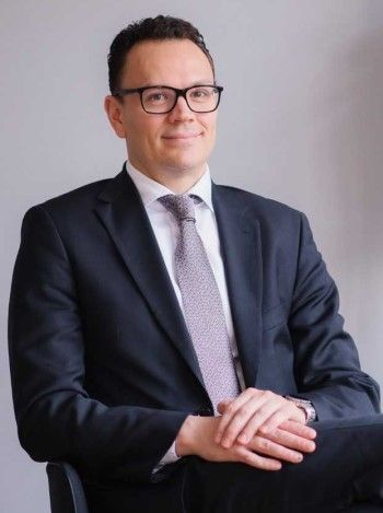 Adrian van den Hoven, director de Medicines for Europe. (Foto. Medicines for Europe)