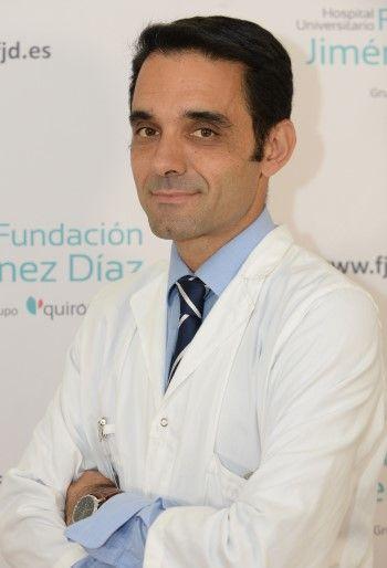 Dr. Ramiro Cabello, jefe asociado del Servicio de Urología del Hospital Fundación Jiménez Díaz. (Foto. Fundación Jiménez Díaz. Grupo Quirónsalud)